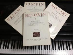 ピアノの楽譜たち