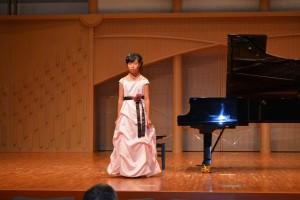 ピアノ発表会 まなちゃん